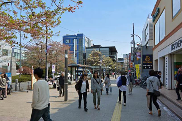 仙川駅 駅前の様子