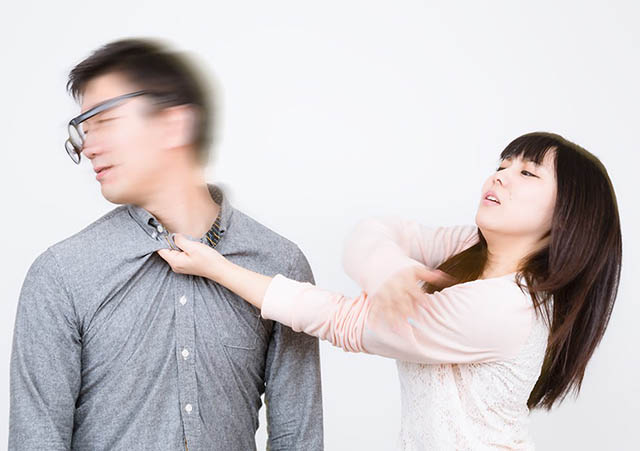 ケンカするカップル