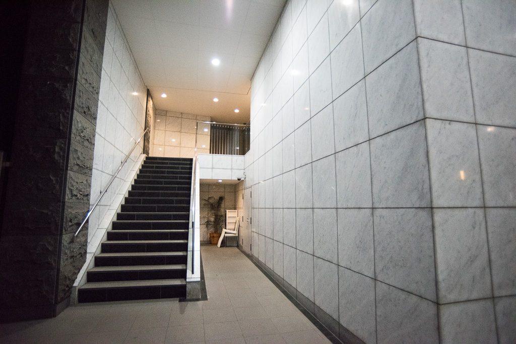 レジディアタワー階段