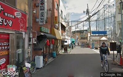 個人商店が並ぶ柳小路商店街
