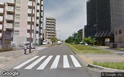 花小金井駅付近の大通り沿いの様子