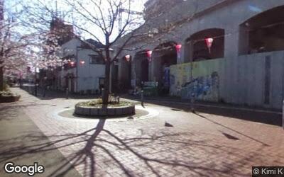 黄金町駅周辺の遊歩道