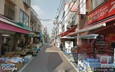 大島駅にある商店街の風景