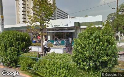 大島駅にある大通り沿いのスーパー