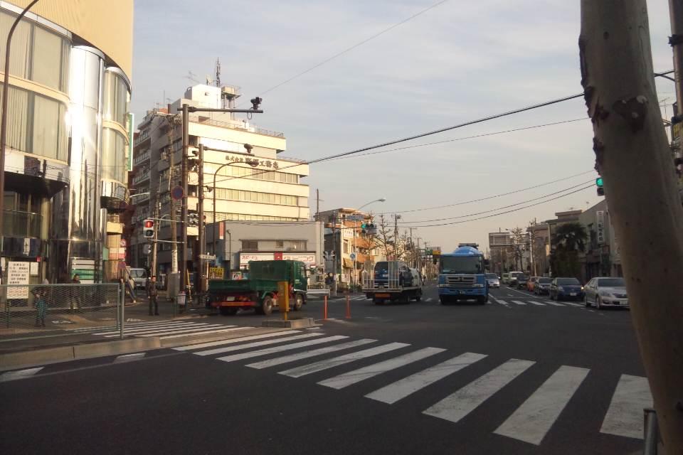 落合南長崎駅前の様子