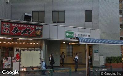 落合南長崎駅出口の様子