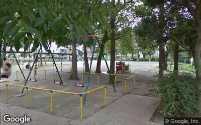 六町駅前ロータリー横の公園