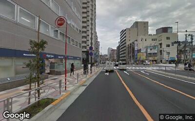 桜田通り沿いの薬局