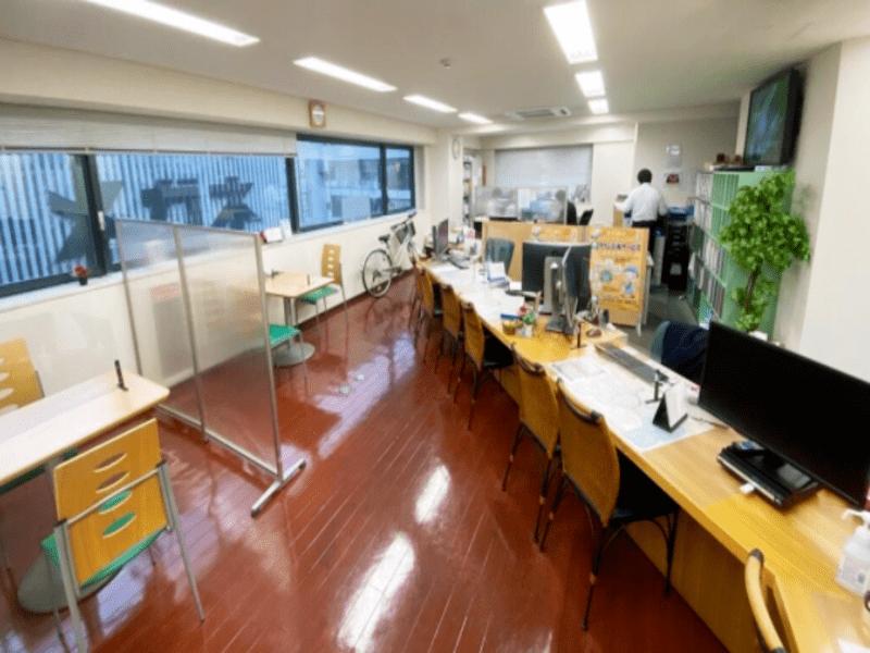 タウンハウジング 渋谷店店内