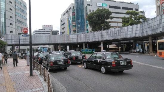 藤沢駅近くのタクシー乗り場