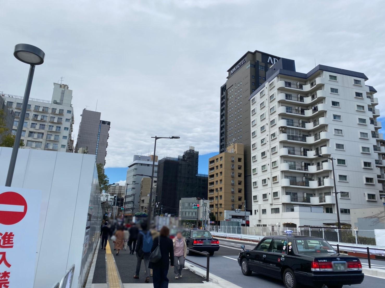 泉岳寺駅方面への道