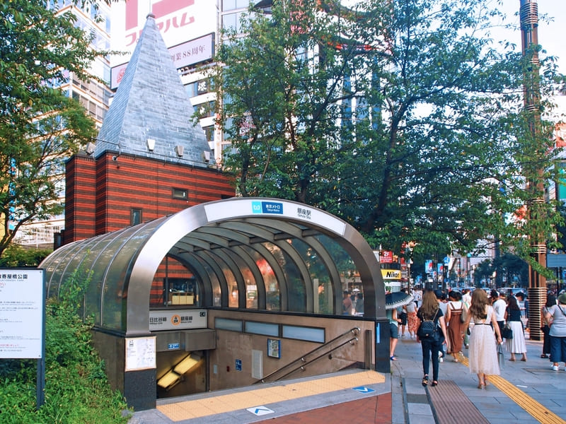 銀座駅の風景
