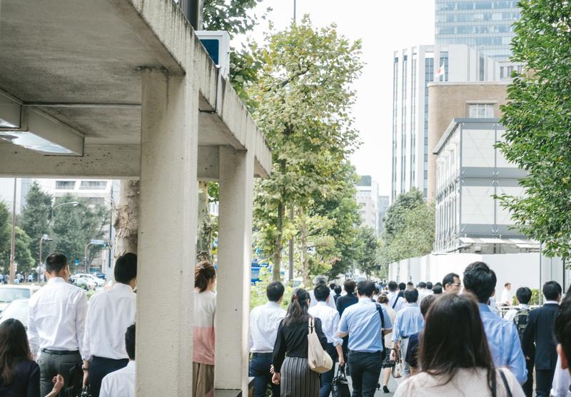 通勤の人混み