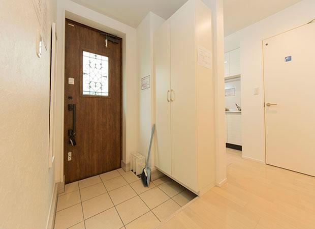 シェアドアパートメント中井2玄関