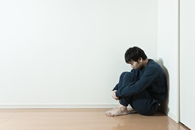 独りぼっちの男性