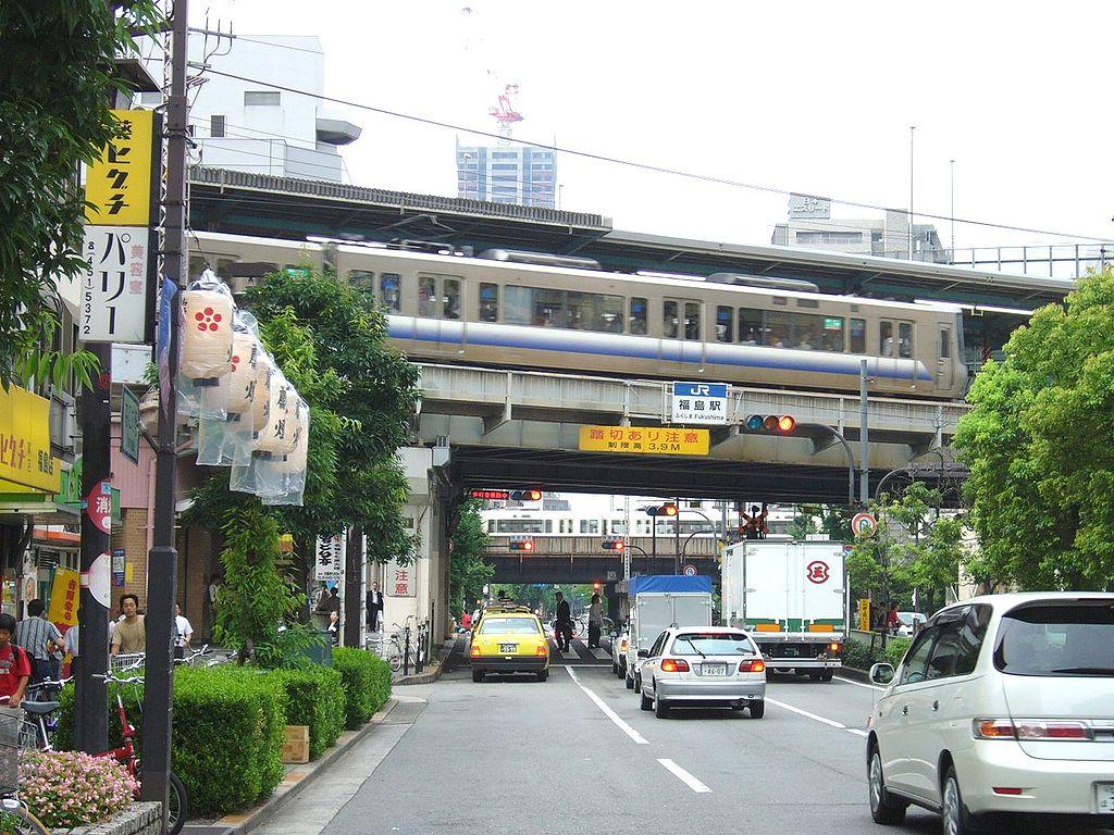 福島駅前の景色